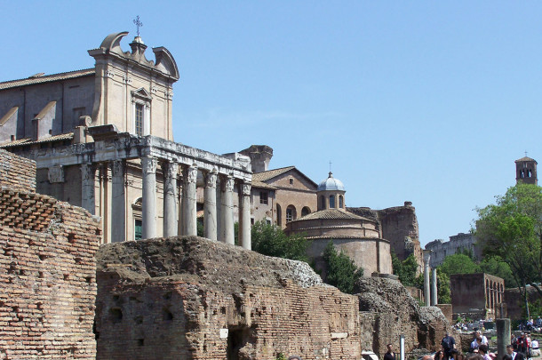 Temple Antonin et Faustine