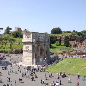 L'Arc de Constantin, au sud du Forum romain