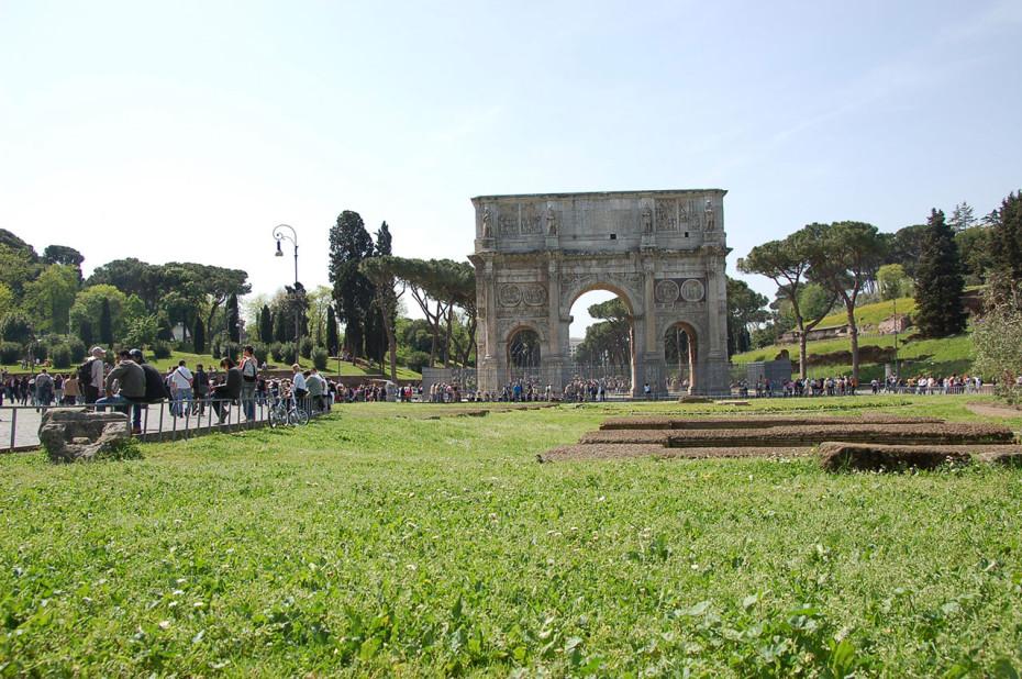 L'Arc de Constantin retrace la victoire sur Maxence