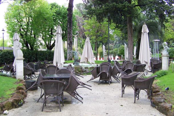 Jardins de la Piazza di Bucarest