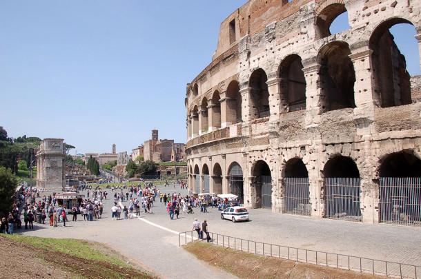 Parvis du Colisée de Rome