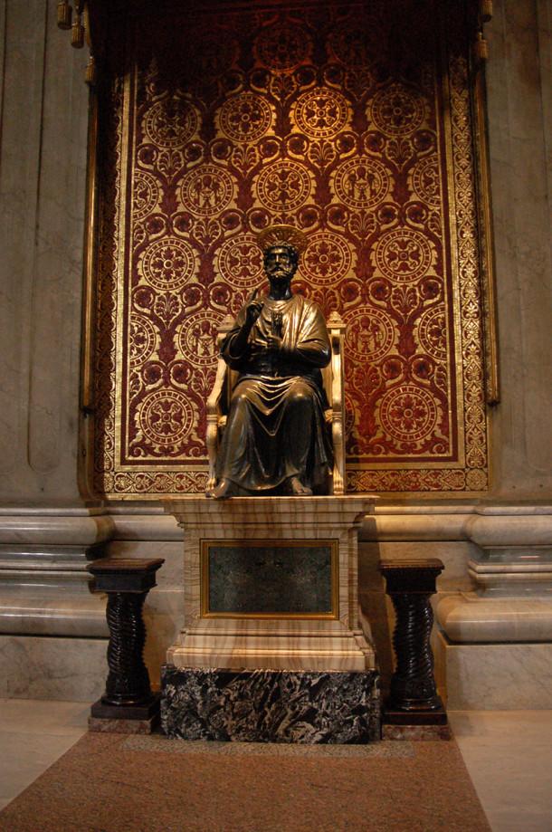 Statue de Saint-Pierre d'Arnolfo di Cambiao