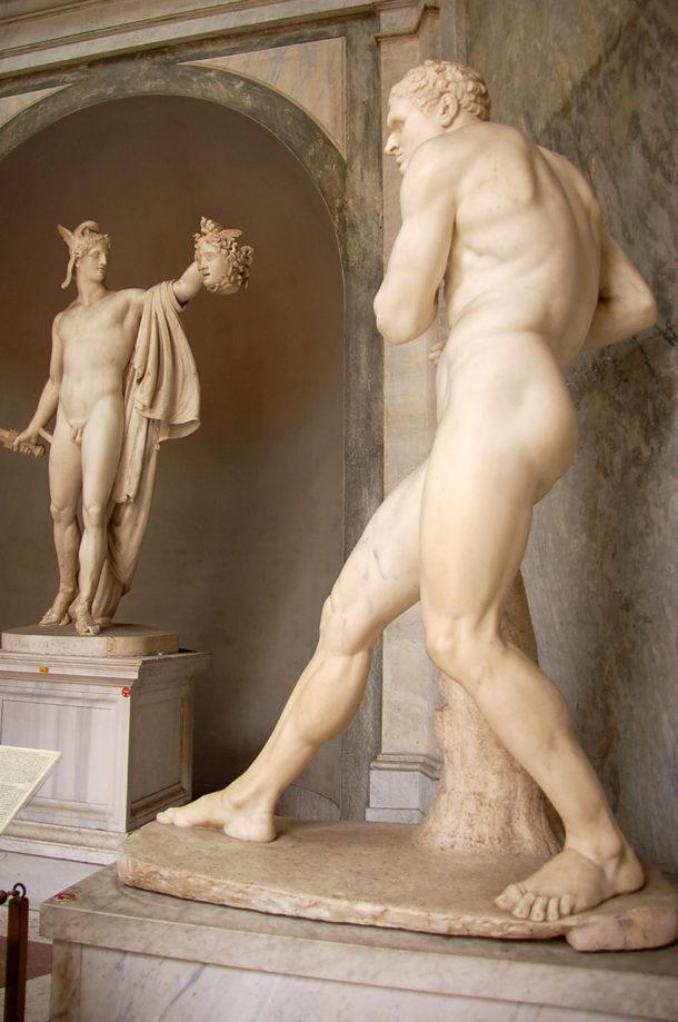 Statues d'athlètes et de guerriers