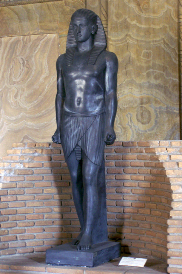 Statue de la reconstitution du Canope