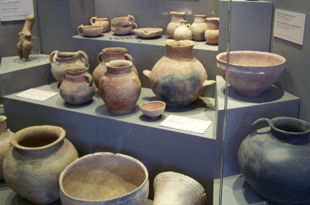 Vases et cruches antiques