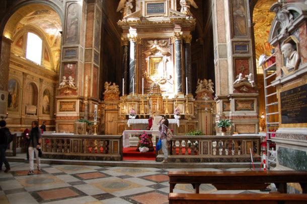 Intérieur de l'église Saint-Augustin
