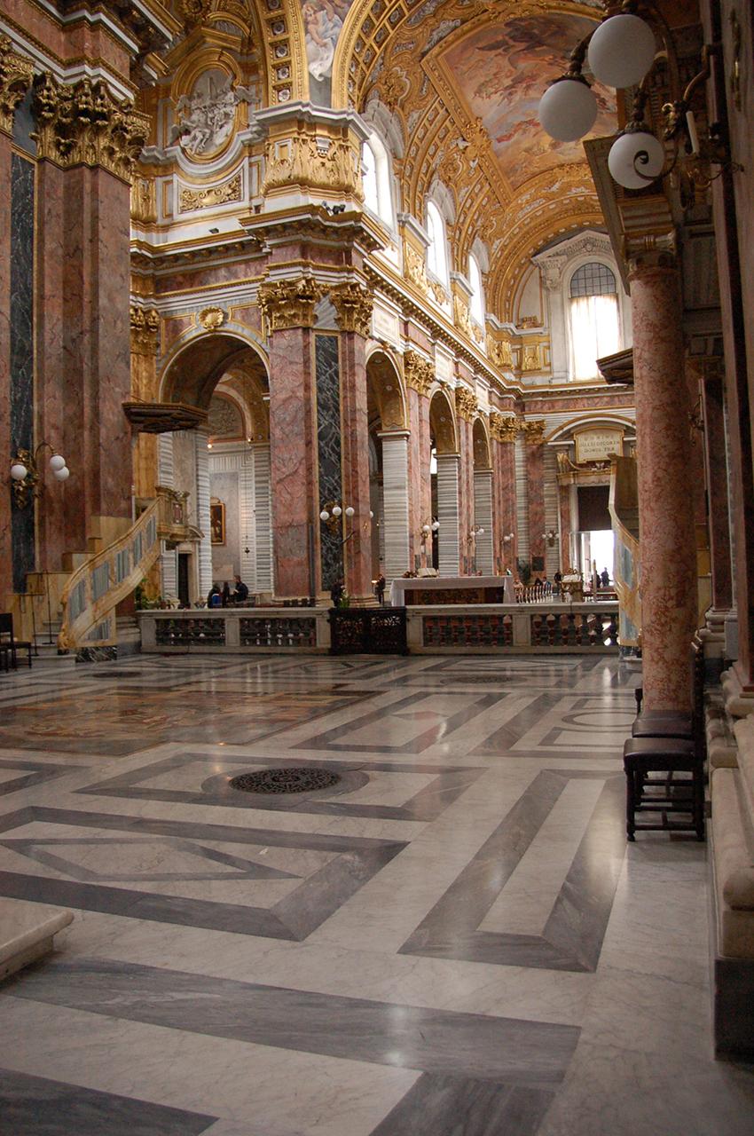 Intérieur stuc marbre basilique saint ambroise saint charles