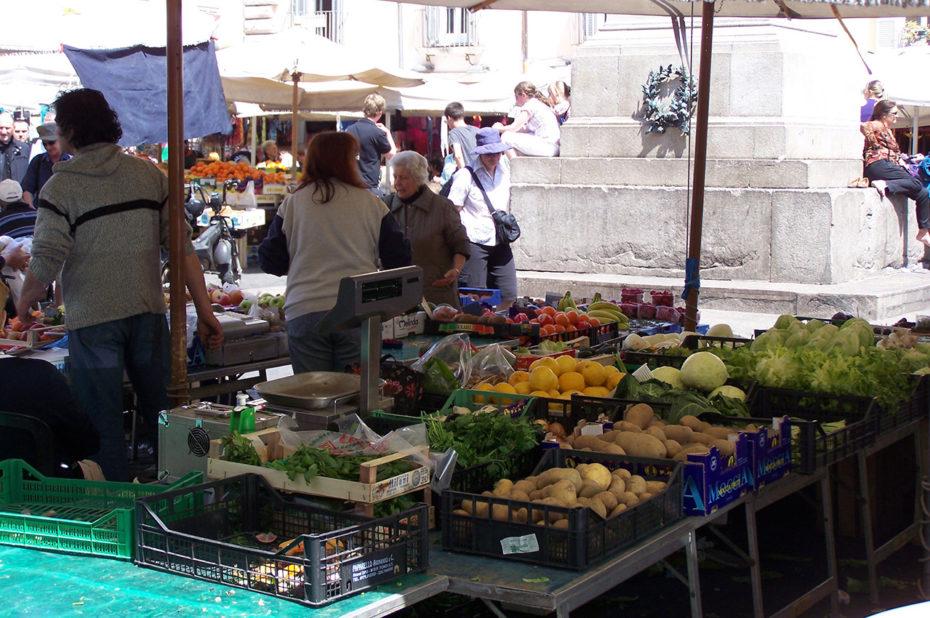 Légumes et produits italiens au Campo dei Fiori