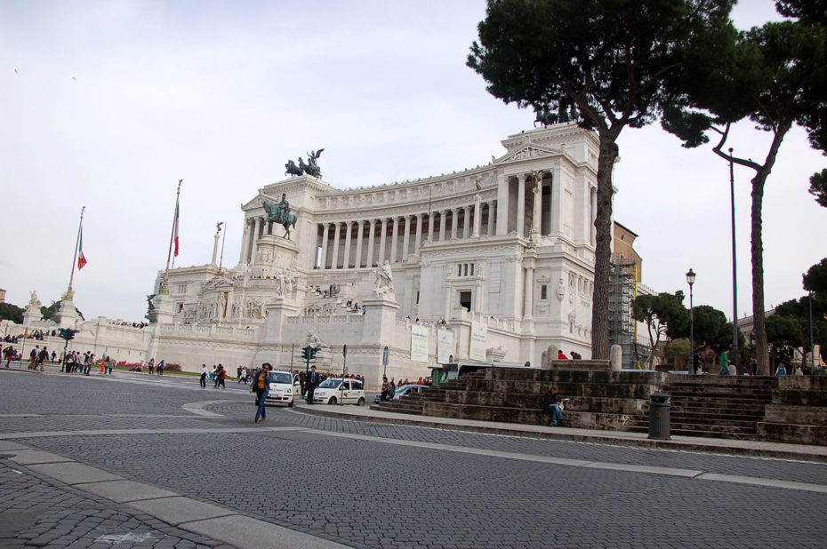 Monument Vittorio Emanuel II et la Piazza Venezia