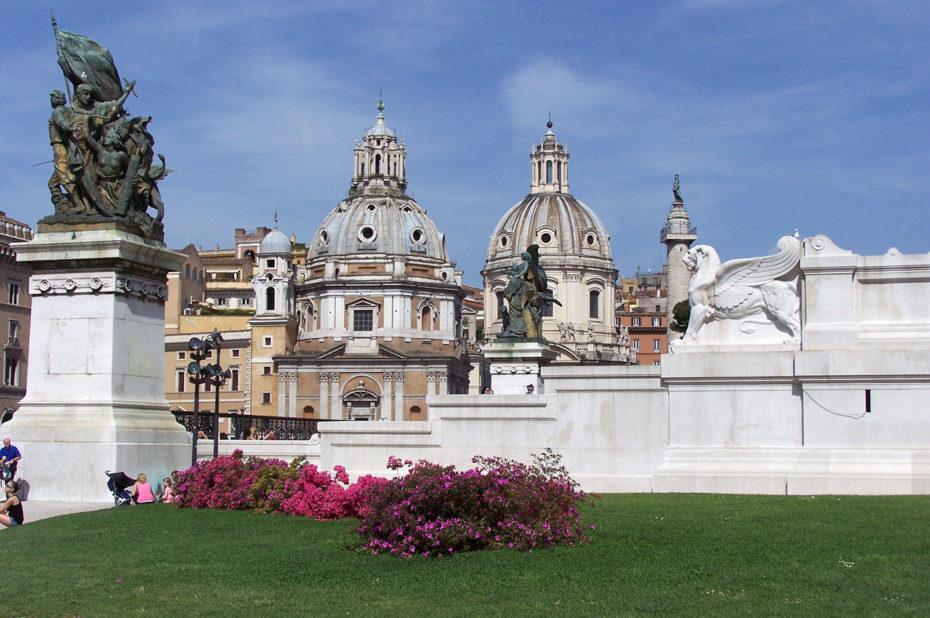 Santa Maria di Loreto sur la Piazza Venezia
