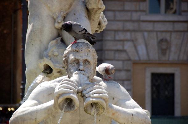 Tritons sculptures fontaine du Maure