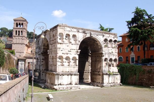 Arc de Janus et église San Giorgio in Velabro