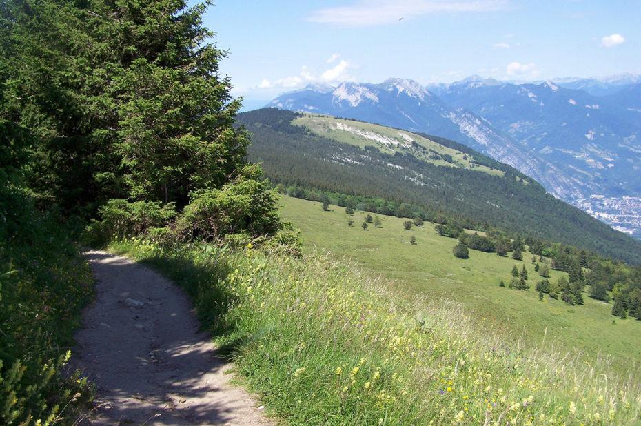 Chemin de randonnée sur les crêtes
