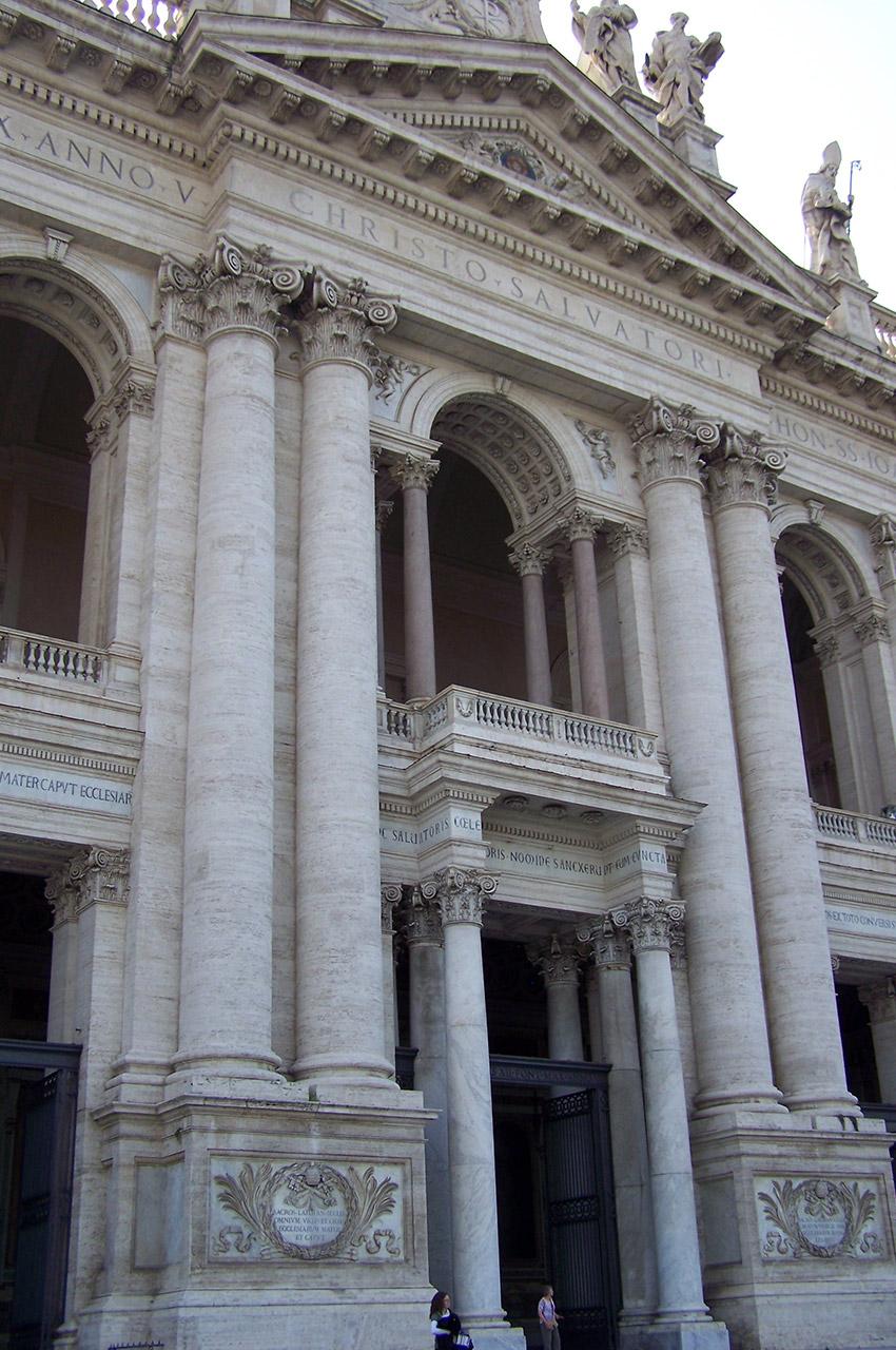 Colonnes de la façade de Saint-Jean-de-Latran