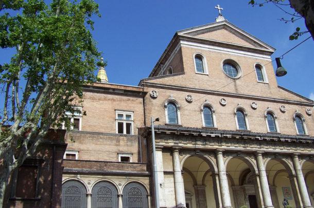 Façade de l'église Saint-Antoine-de-Padoue