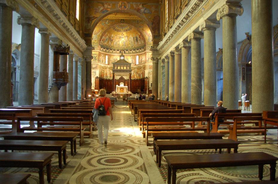La nef de la basilique