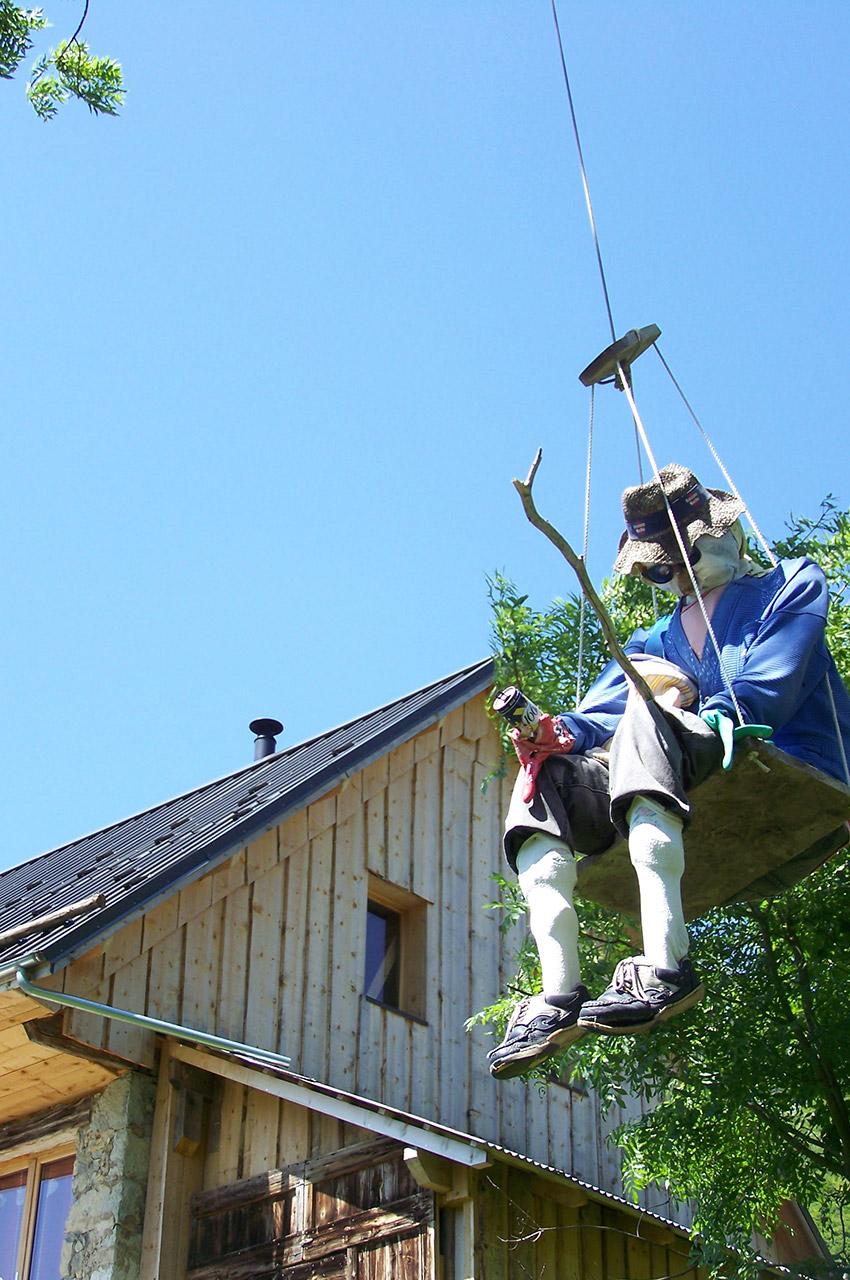 Épouvantail au hameau du Grand Carroz