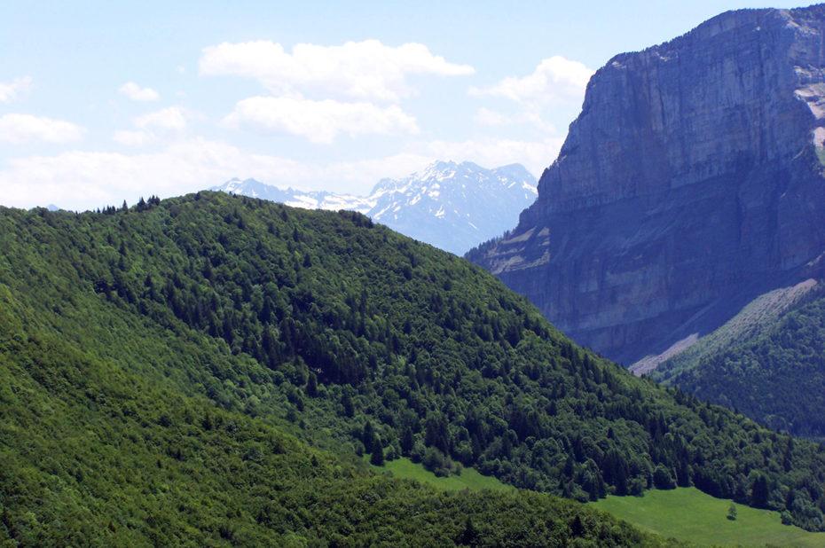 La falaise du mont Granier et la fin des crêtes