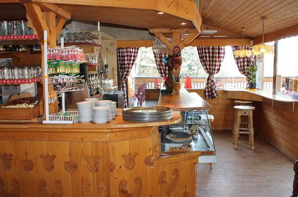 Le bar du restaurant au col du Granier