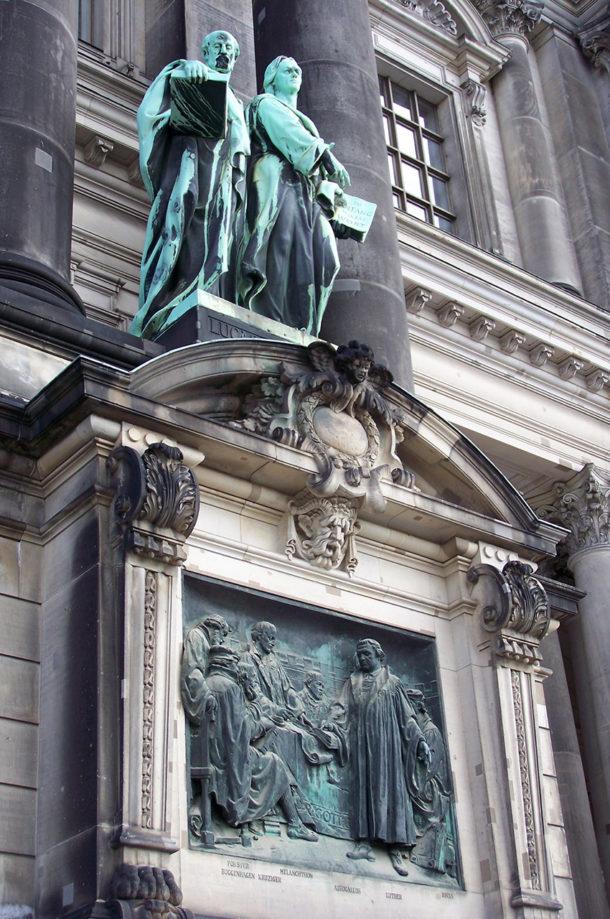 Relief avec Caspar Cruciger, Martin Luther, Philipp Melanchthon