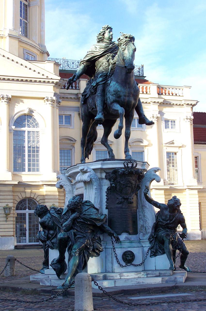 """Statue équestre du """"Grand Électeur"""" de Schlüter"""