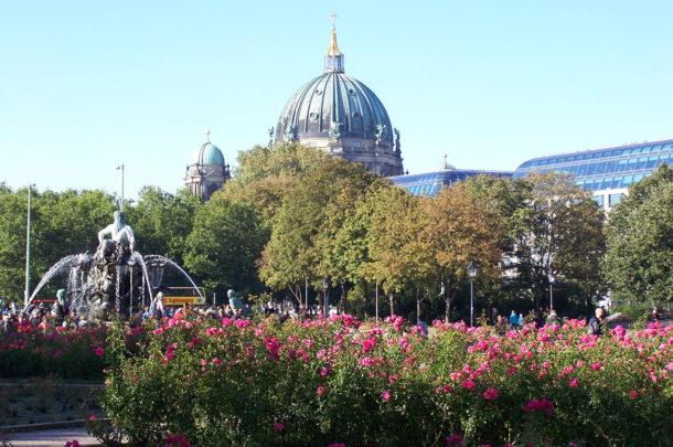 Le Berliner Dom, au centre d'une capitale fleurie