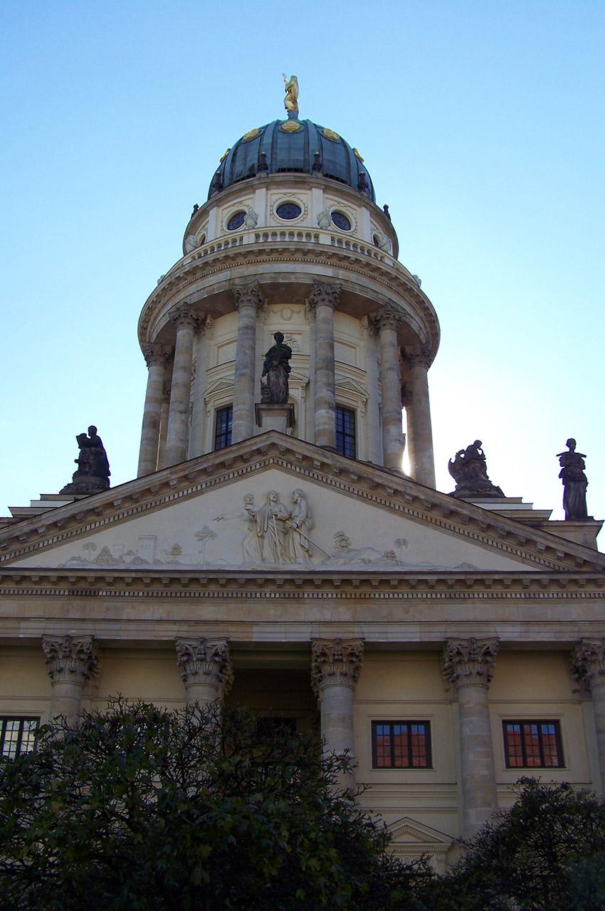 Cathédrale française sur la place du Gendarmenmarkt