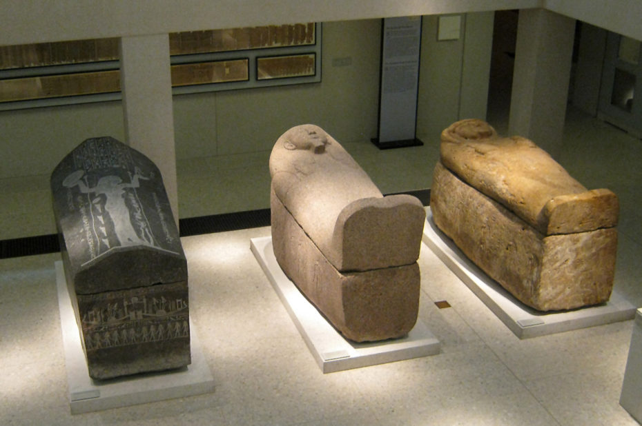 Divers sarcophages