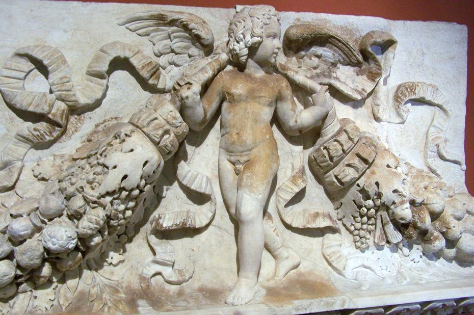 Fragment d'un relief représentant un enfant