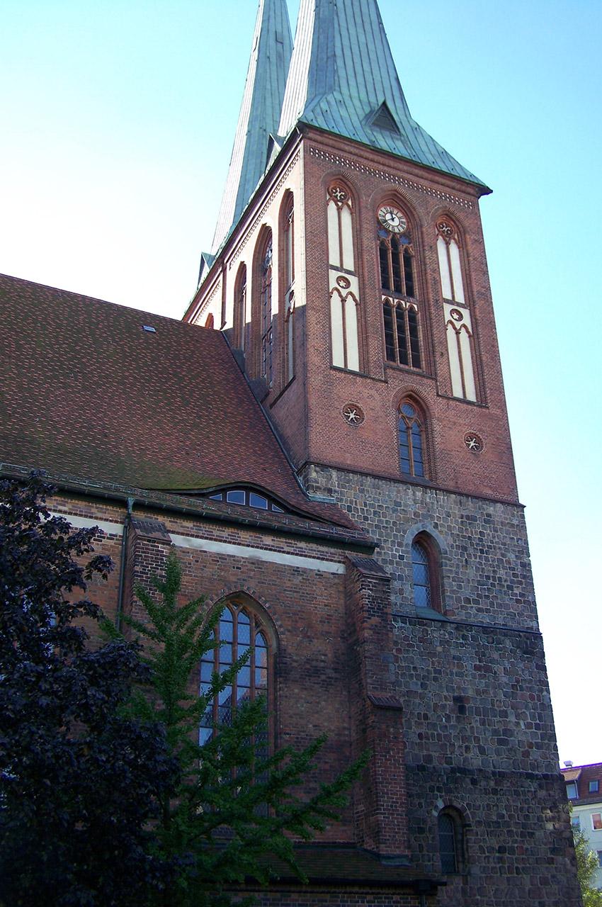 Vue de côté de Nikolaikirche