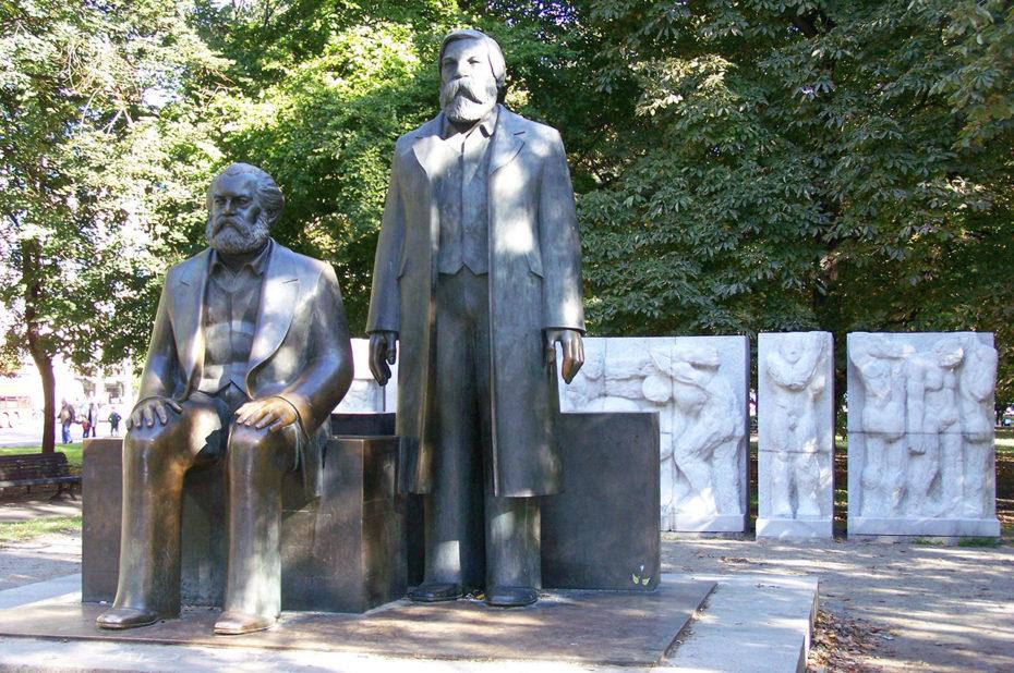 Statues de Karl Marx et Friedrich Engels