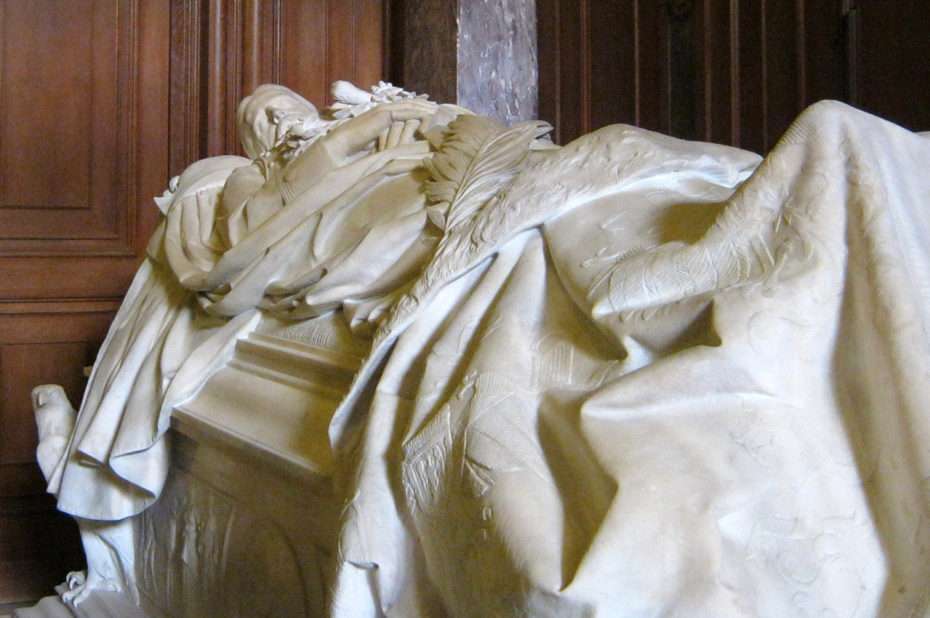 Tombeau Hohenzollern en marbre blanc