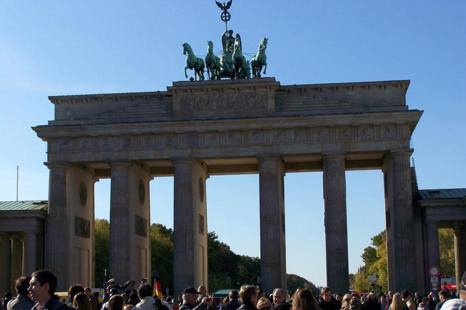 Touristes à la porte de Brandebourg