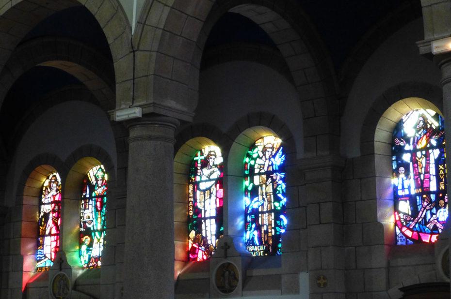 Vitraux dans l'église d'Audierne