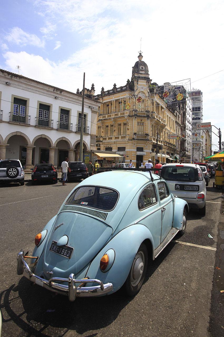 Volkswagen Coccinelle dans les rues de Salvador