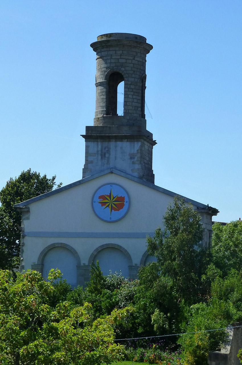 L'église Saint-Guénolé dans la ville-close