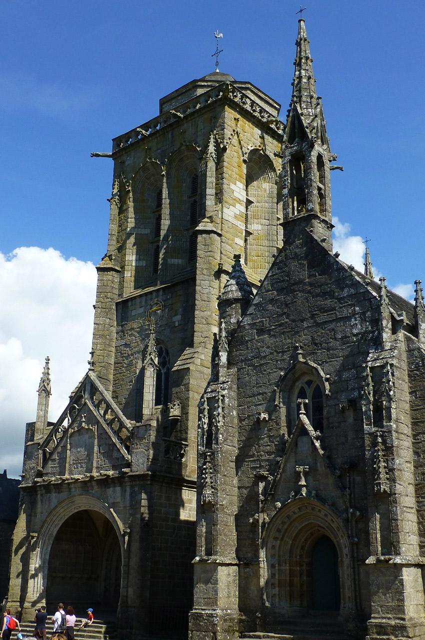 Façade de l'église Saint-Ronan