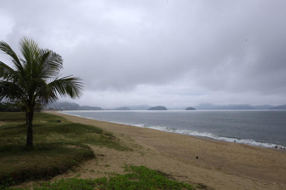 Orage menaçant sur la plage