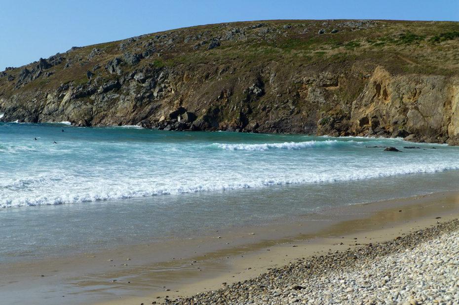 La plage de galets de la Baie des Trépassés