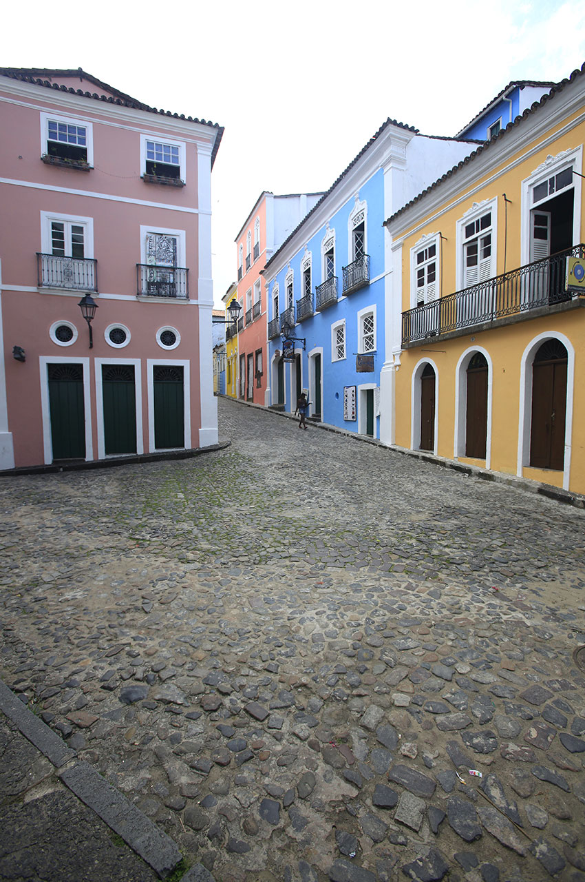 Maisons très colorées au détour de petites ruelles