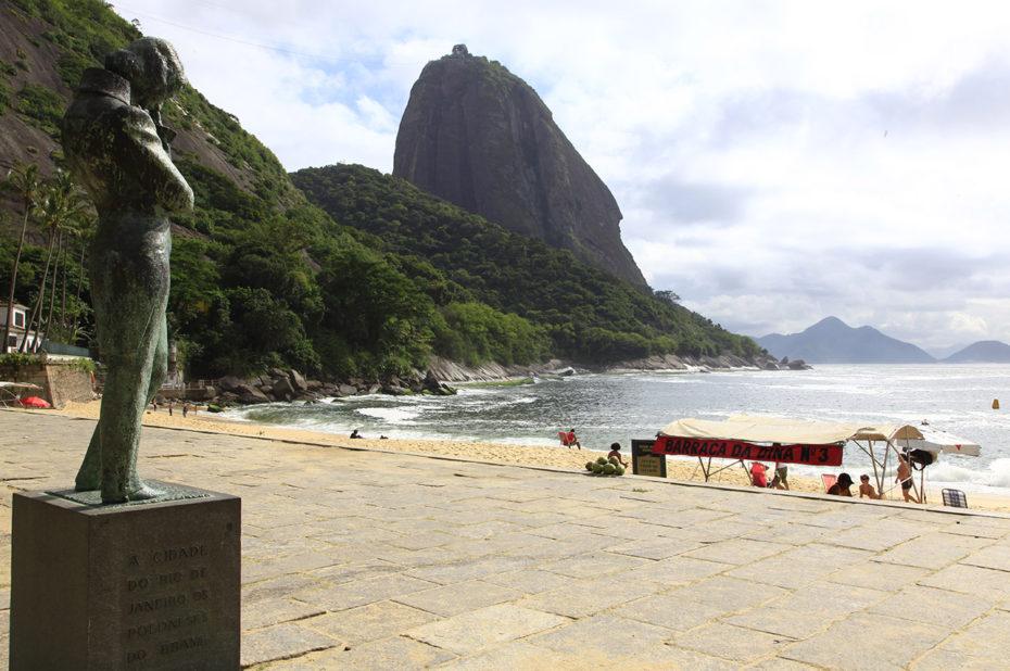 Statue en hommage aux Portugais