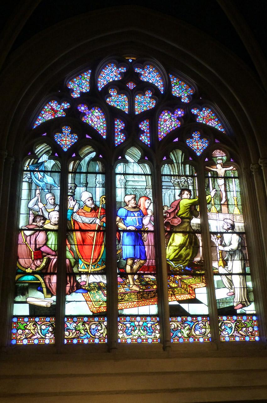 Un vitrail dans la cathédrale