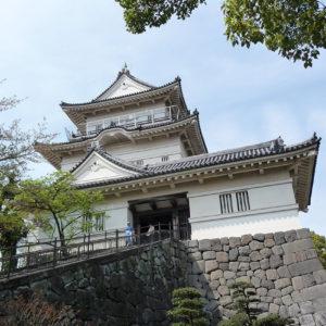 Le château d'Odawara est situé à proximité de la baie de Sagami