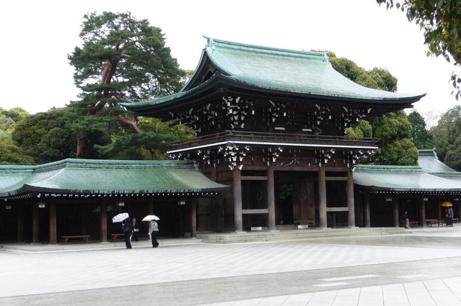 Le sanctuaire Meiji-jingū, au centre du jardin impérial qui s'étend sur 700 000 m2
