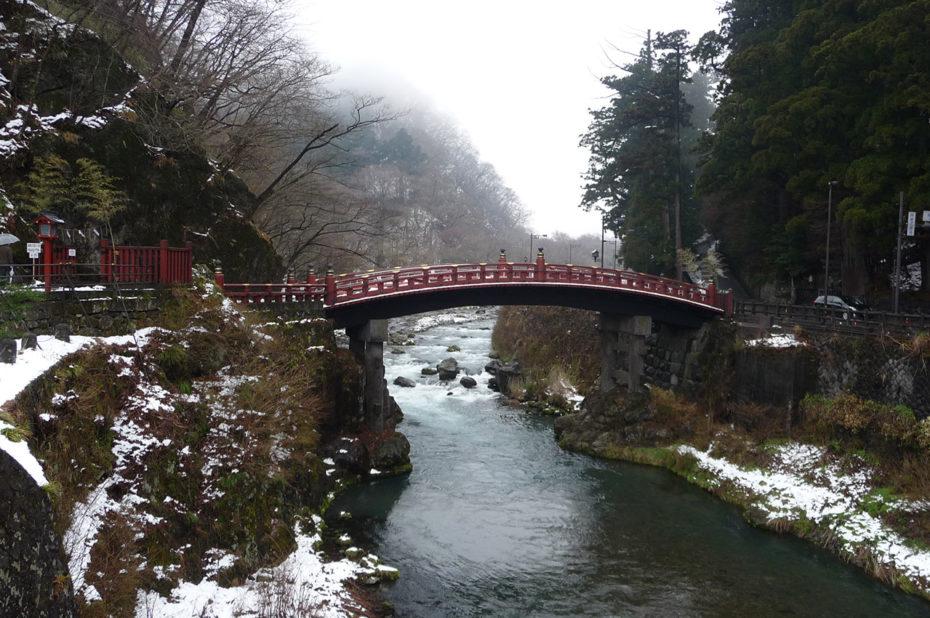 Le Shinkyô, pont sacré laqué de rouge