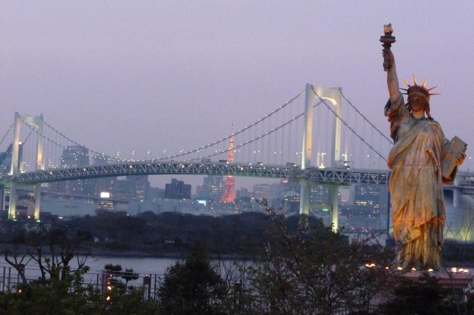 Statue de la Liberté, Tour de Tokyo et Rainbow Bridge
