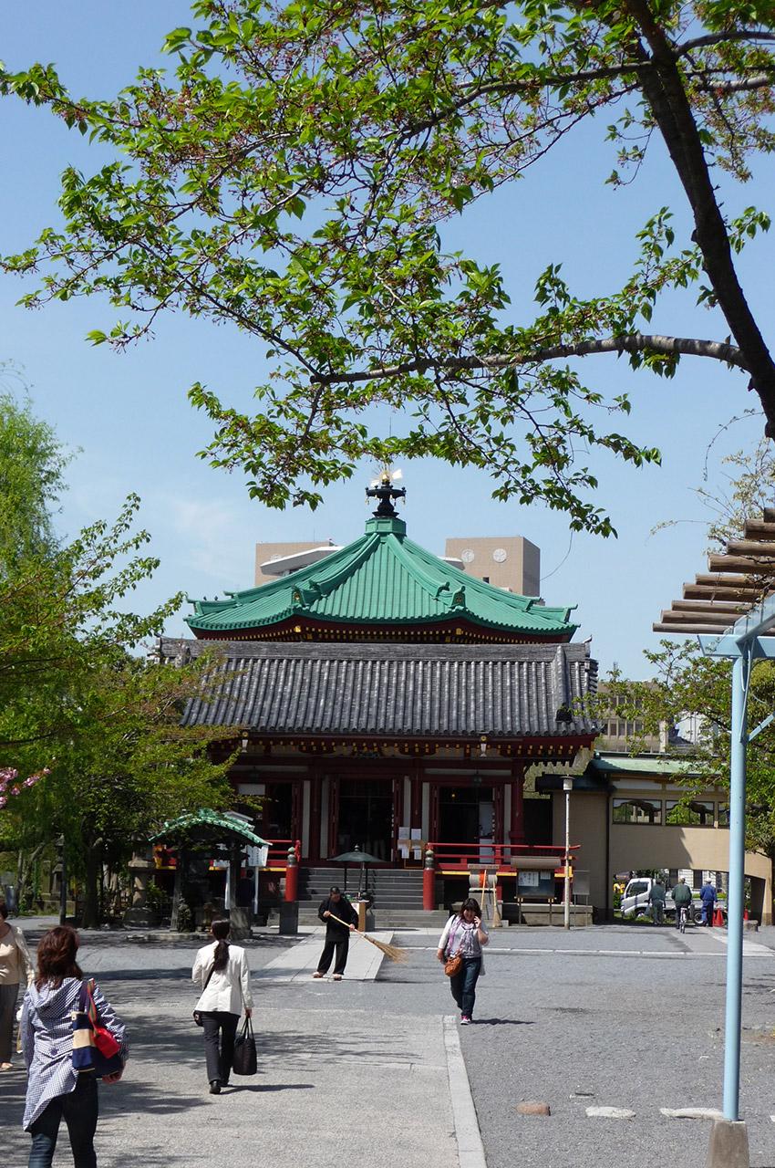 Temple Benzaiten au centre de l'étang éponyme à Ueno