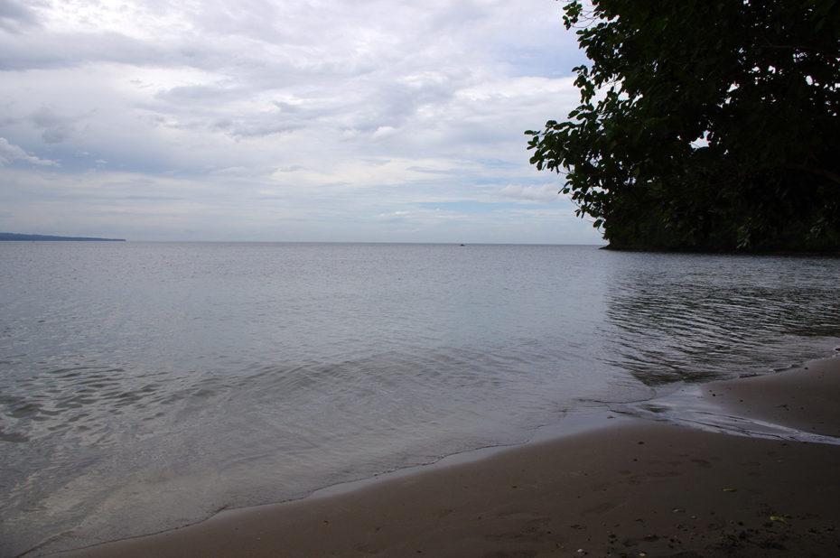 Bataan Beach sous les nuages