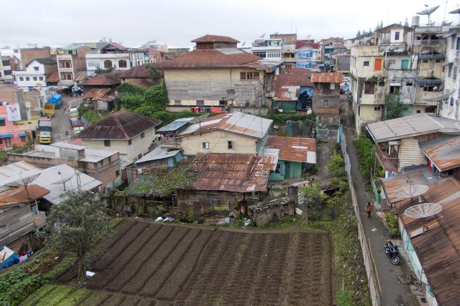La ville de Berastagi, à Sumatra