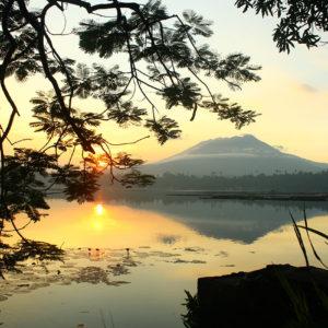 Coucher de soleil sur le mont Banahaw